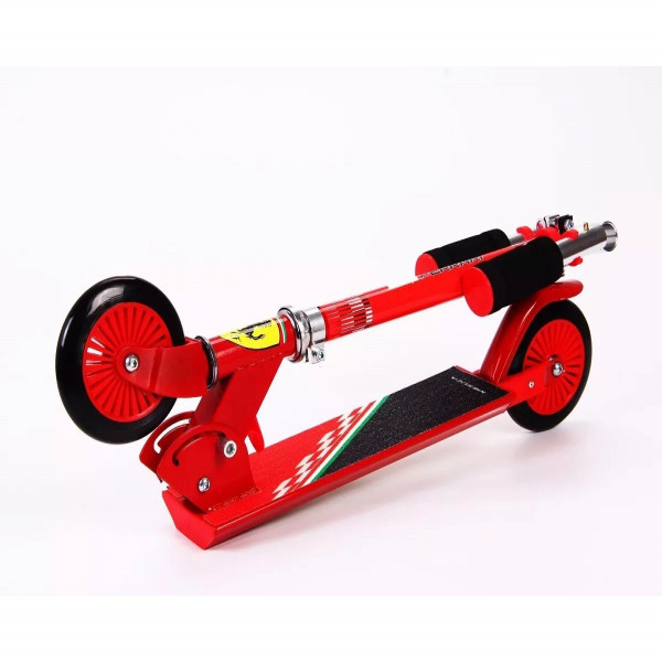 Monopatín 2 Ruedas Ferrari Rojo